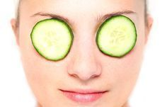 How To Get Rid Of Dark Circles Fast, thick sliced cucumbers or potatoe… Dark Circle Cream, Eye Cream For Dark Circles, Dark Circles Under Eyes, Eye Circles, Beauty Tips For Face, Beauty Secrets, Beauty Products, Beauty Tricks, Ayurveda