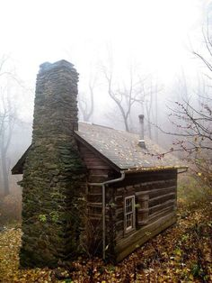 "just-breezy: "" Jones Mountain Cabin by Bill Couch "" Old Cabins, Tiny Cabins, Log Cabin Homes, Cabins And Cottages, Little Cabin, Little Houses, Cabin In The Woods, Cozy Cabin, Guest Cabin"
