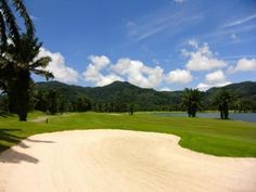 Loch Palm Golf Club is built around Crystal Lake, the glistening central feature of the course and the largest body of water on any Phuket golf course.