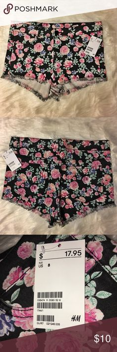 New with Tags H&M Black Floral Shorts - Size 8 Never worn, with tags. Black floral denim shorts. H&M Divided brand. H&M Shorts