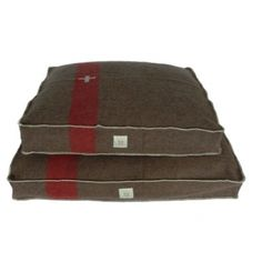 Olive - Swiss army blanket dog bed