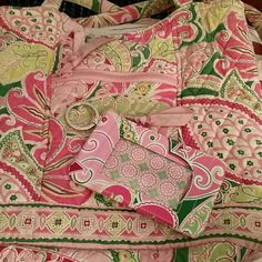 Vera Bradley Purse and Matching Coin Purse PLEASE MAKE AN OFFER! Pre-loved bag has 2 stains, 1 on each bottom corners as shown in pic 4. 1 zip pocket on front and 1 on the inside. 1 inside pocket. Snap closure. Brand new coin purse. Vera Bradley Bags Shoulder Bags
