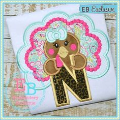 Free Applique Patterns, Applique Embroidery Designs, Embroidery Fonts, Machine Embroidery, Embroidery Boutique, Monogram Fonts, Color Themes, Friend Birthday, Christmas Shirts