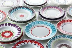 Richard Ginori (design house open since have enlisted the artistic direction of current designer Paola Navone to create these beautiful dinner plates that are a feast for the eyes. Assiette Design, Pretty Things, Fun Things, Beautiful Things, Paola Navone, Baccarat Crystal, Mobile Shop, Dinner Sets, China Patterns