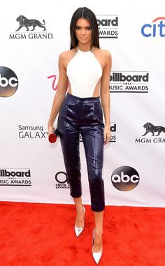 Kendall Jenner attends the 2014 Billboard Music Awards at the MGM Grand Garden Arena, 18 May 2014 Kardashian Style, Kardashian Jenner, Charlie Barker, Billboard Music Awards 2014, Mode Outfits, Fashion Outfits, Stylish Outfits, Look 2017, Moda Chic