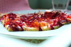 Low Carb Rezepte von Happy Carb: Low Carb Veggie-Flammkuchen - Vegetarisch, praktisch, gut.