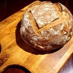 Warm spelt and walnut bread from the Piology ovens.. The smell!!! #explorebendigo #bakedinbendigo #bake #bread #bendigo #markets #marketfood #melbfoodbaby #melbournefoodie #melbournefoodies #cometobendigo  #visitbendigo #breakfast by piology_thestarvingartist