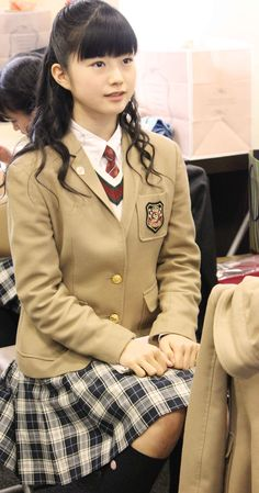 Yui in Sakura Gakuin uniform :33 Have I mentioned my recent obsession with Sakura Gakuin videos yet?