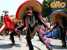LAS MEJORES RUTAS DE AUTOBUSES. Acatlán de Osorio se ubica al sur del estado de Puebla y es reconocida por su celebración del tradicional día de muertos, se realizan danzas, se colocan ofrendas y se visita el panteón, esta es la fiesta más vistosa y popular de esta ciudad, pero este no es su único atractivo, siempre hay algo nuevo que visitar en los hermosos rincones de Acatlán. Autobuses Oro le invitan a viajar a través de nuestra línea de autobuses, para conocer estos hermosos rincones de…