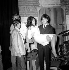 Richard Starkey and Paul McCartney (I am good at lifting! lol!)