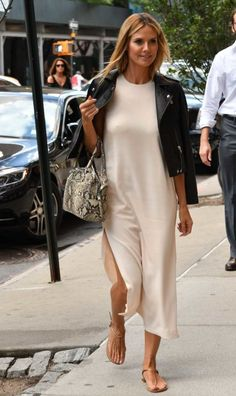 Heidi Klum Shows Off Her Yodeling Skills With A German Tune!: Photo Heidi Klum flashes a smile in a white dress as she makes her way out of her hotel on Tuesday afternoon (July in New York City. Mode Outfits, Casual Outfits, Fashion Outfits, Womens Fashion, Spring Summer Fashion, Spring Outfits, Rocker Style, Minimal Fashion, Look Fashion