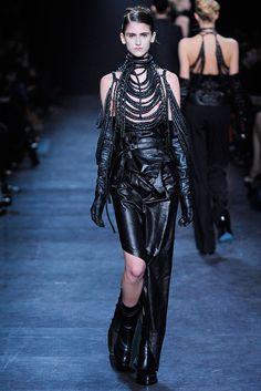 Kuvahaun tulos haulle gothic clothing designers california