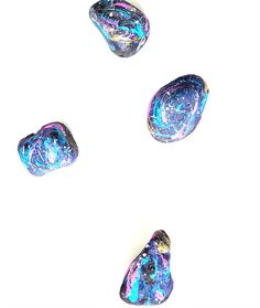 Make these easy galaxy rocks to spread kindness or just for fun. These are a great project for a girls craft night, to make with kids, or just for fun! Girls Night Crafts, Craft Night, Crafts For Girls, Rock Painting Ideas Easy, Rock Painting Designs, Prom Themes, Diy Galaxy, Vbs Crafts, Rock Design