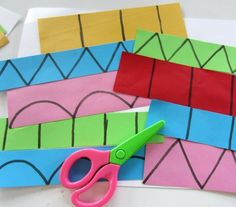 Learn with Play at Home: Cutting Practice & Learning Shapes - Shapes / Cutting - the fine motor group Cutting Activities, Pre K Activities, Montessori Activities, Preschool Cutting Practice, Dementia Activities, Physical Activities, Preschool At Home, Preschool Learning, Preschool Crafts
