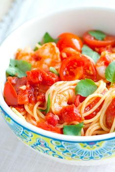 How to Make Tomato Basil Shrimp Spaghetti in 15 Minutes