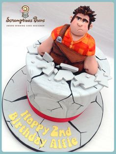 Wonderful Wreck-It Ralph Cake made by Scrumptious Buns. Unique Cakes, Creative Cakes, Cupcakes, Cupcake Cakes, Cake Pops, Movie Cakes, Fondant, Character Cakes, Wreck It Ralph