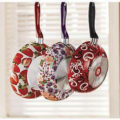 Sartenes decorados Decoupage, Annie Sloan, Kitchen Gadgets, Strawberries, Washer Necklace, Diy Crafts, Painting, Jewelry, Skillets