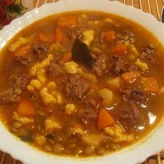 Lencsegulyás-leves Receptek a Mindmegette. Meat Recipes, Cooking Recipes, Healthy Recipes, Recipies, Hungarian Recipes, Recipes From Heaven, Food Humor, Food 52, Soups And Stews