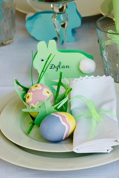 Easter place setting - via Simply Delicious