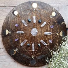 C R Y ST A L S // I just love crystals especially when they're laid in a grid; it gives them more power. The more leaders that come together for a cause the more powerful we become. Crystal Magic, Crystal Grid, Crystal Healing, Crystal Room, Wiccan, Magick, Witchcraft, Crystals Minerals, Stones And Crystals