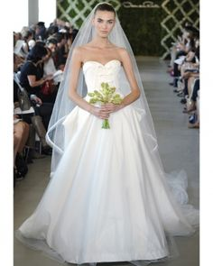 Darlings, here's your gorgeous for the day: the Oscar de la Renta spring 2013 Bridal Collection. Many kittens will be happy to see that, unlike a lot of Wedding Dresses From China, Cheap Wedding Dress, Wedding Beauty, Dream Wedding, Fantasy Wedding, Spring Wedding, Wedding Bells, Wedding Bride, Sister Wedding