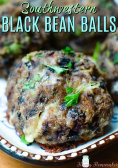 Southwestern Black Bean Balls - a meatless or vegetarian alternative to a meatball with a Mexican/Southwestern flare. Such a simple recipe and oh so good! Veggie Dishes, Tasty Dishes, Veggie Recipes, Cooking Recipes, Cooking Tips, Healthy Black Bean Recipes, Healthy Recipes, Yummy Recipes, Black Bean Patties