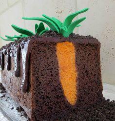 Wir ♥ diesen Karotten-Kuchen!!! Gefunden hier: http://www.thepartiologist.com/2013/03/easter-extravaganza.html