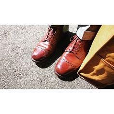 2016/09/05 09:31:31 bluem_t 今日はコッペパン的な何かにしか見えないお気に入りの一足です。 カバンとの色があってないのはご愛嬌。 #shoes #靴 #leathershoes #革靴 #leatherboots #boots #alden #オールデン #bag #鞄 #leatherbag #革鞄 #somes #ソメスサドル #brown #茶色 #足元くら部 #あしもと倶楽部