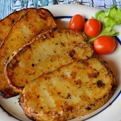Grilled Baked Potatoes - Boil or microwave baking potatoes until just soft. Cut in half or quarters and brush the entire piece. Add your favorite seasonings such as garlic, rosemary, thyme, italian, montreal steak and grill for about 15 mins. Side Dish Recipes, Veggie Recipes, Cooking Recipes, Healthy Recipes, Skillet Recipes, Pizza Recipes, Diabetic Recipes, Protein Recipes, Cooking Food