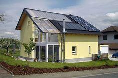 Betriebskostenfalle vermeiden.  Mit einem Bio-Solar-Haus auf reparatur- und wartungsintensive Technik verzichten. Wer in einem Niedrigenergiehaus mit doppelter Haushülle wohnt, spart durch den Verzicht auf kostenintensive Technik ein Hausleben lang Betriebskosten, ohne auf Komfort verzichten zu müssen. djd/Bio-Solar-Haus GmbH
