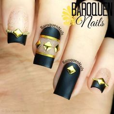 Black nail design. #black #gold #nail #naildesign #nailart #nailpolish