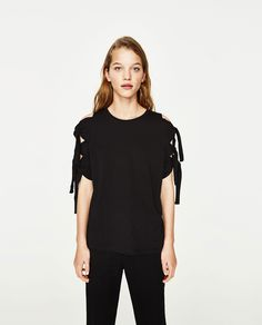 KNOTTED SLEEVE T-SHIRT