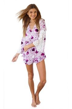 Flared Plunge Floral Dress. Free 3-7 days expedited shipping to U.S. Free first class word wide shipping. Customer service: help@moooh.net