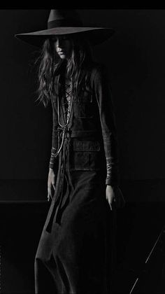 cowgirl | fashion | darkness | black  white | fashion editorial |