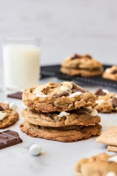 These gooey, soft, and chewy S'mores Cookies have all the elements of classic campfire s'mores in a cookie that is chock full of chocolate, graham crackers, and toasted marshmallows so you can enjoy this summertime favorite all year long and perfect at Christmas! #Christmas #sweet #cookie #smores #dessert #familyfriendly #easy #recipe Best Cookie Recipes, Best Dessert Recipes, Fun Desserts, Spring Desserts, Christmas Desserts, Christmas Baking, Christmas Christmas, Christmas Cookies, Cake Recipes