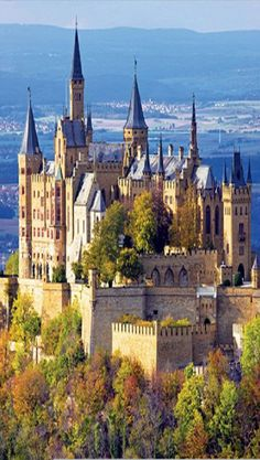 15 Most Beautiful and Best Castles To Visit in Germany for sale) ? 15 Most Beautiful and Best Castles To Visit in Germany for sale) ? - Our World Stuff Places Around The World, The Places Youll Go, Places To See, Around The Worlds, Beautiful Castles, Beautiful Buildings, Beautiful Places, Chateau Medieval, Medieval Castle