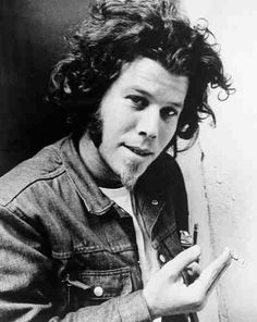 A young Tom Waits