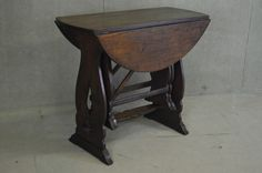 QUALITY SOLID OAK NEST OF 3 COFFEE TABLES / OCCASIONAL - Unusual Design