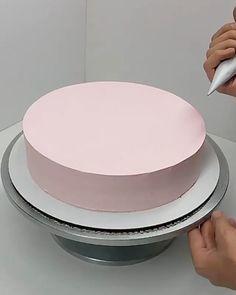 Cake Decorating Frosting, Creative Cake Decorating, Cake Decorating Designs, Cake Decorating Videos, Cake Decorating Techniques, Creative Cakes, Cookie Decorating, Frosting Recipes, Cake Recipes