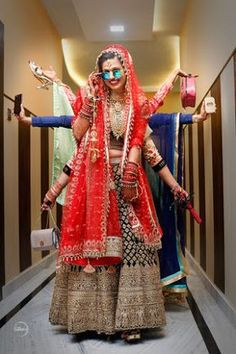 """Photo from Mutos studio """"Portfolio"""" album There are different rumors about the annals of the marriage dress; Indian Wedding Couple Photography, Indian Wedding Photos, Indian Bridal Outfits, Bride Photography, Photography Ideas, Mehendi Photography, Creative Photography, Fashion Photography, Bridal Poses"""