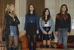 Taking This One to the Grave -  The liars pay Mona a visit at her home. -  Season 5 Episode 12 '
