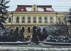 Photo by @kambur_photography  #city #chernivtsi #czernowitz #czernowitz_cv #Черновцы #Чернівці #bukovina #Буковина #ukrainian #Europe #vsco #best #beautiful #life #love #photography #picture #awesome #inspiration #architecture #history #day #view #travel #University #photooftheday #photoukrainian #Ukraine #2016_cv by czernowitz_cv