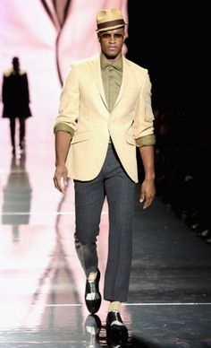 New York Fashion Week: Spring/summer 2013 (Arise magazine African Icon Ozwald Boateng collection) Gents Fashion, Man Fashion, Fashion Black, Ozwald Boateng, Mens Tailored Suits, Dandy Style, Men's Style, Men Style Tips, Mens Caps