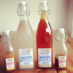 100均「ウォーターボトル」は、プラスチック製品が多い中、ダイソーの新作はガラス製なんです。キッチンや冷蔵庫に入れたりインテリアとしても使えるボトル紹介します。