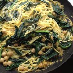 Vegane Nudeln mit Grünkohl und Kichererbsen @ de.allrecipes.com