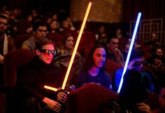 New 'Star Wars' Speeds Toward Record - The New York Times