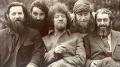 The Dubliners - And the band played Waltzing Matilda. A song written by Eric Bogle about the Anzac Troops landing at Suvla Bay in Gallipoli to be caught off guard by the Turks. Scottish Music, Scottish Culture, Music Is Life, My Music, Irish Songs, Erin Go Bragh, Celtic Music, Amazing Songs, Music Mood