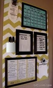 46 Best DIY Dorm Room Decor Ideas DIY Dorm Room Decor Ideas – Organization Board – Cheap DIY Dorm Decor Projects for College Rooms – Cool Crafts, Wall Art, Easy Organization for Girls – Fun DYI Tutorials for Teens and College Students diyprojectsfortee… Classroom Organization, Organization Hacks, Organization Station, Classroom Decor, Organizing Ideas, Classroom Libraries, White Board Organization, Roommate Organization, Bedroom Organization Diy