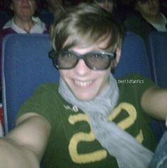 Louis Tomlinson before One Direction AKA Swag Masta from Doncasta! One Direction Cakes, Fetus One Direction, One Direction Pictures, I Love One Direction, Liam Payne, Niall Horan, Fetus Harry Styles, Foto One, Louis Tomilson