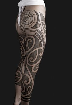 the-starlight-hotel:  legs - linework and spirals by nazareno tubaro